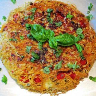 Tomato, Basil & Mozzarella Pasta Pizza, 8 points+