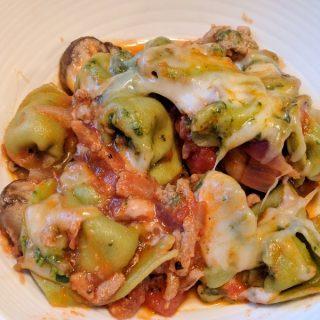 Cheesy, Pesto Tortellini
